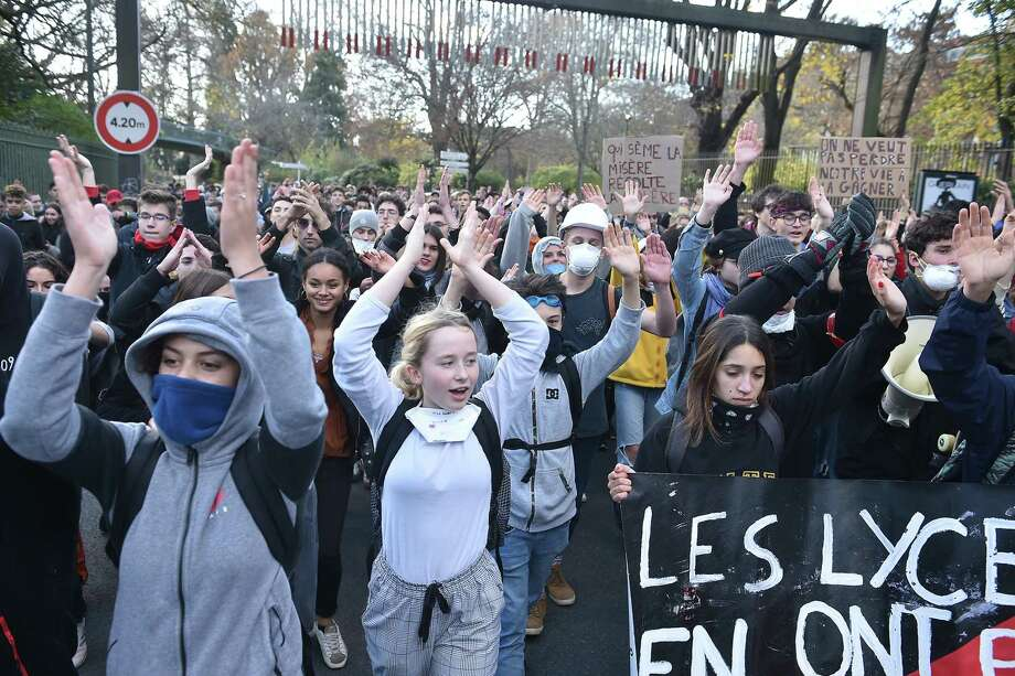 High school students demonstrate in Toulouse, on December 7, 2018, to protest against the different education reforms including the overhauls and stricter university entrance requirements. (Photo by REMY GABALDA / AFP)REMY GABALDA/AFP/Getty Images Photo: REMY GABALDA / AFP or licensors