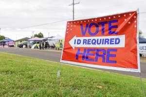 El martes 18 de febrero es el primer día de votación anticipada en las elecciones primarias en Texas. Los residentes del Condado de Webb tendrán la tarea de decidir quién debe representarlos en el Congreso, la Cámara de Representantes de Texas, la oficina de impuestos del condado, alguacil del condado, entre otros puestos locales.