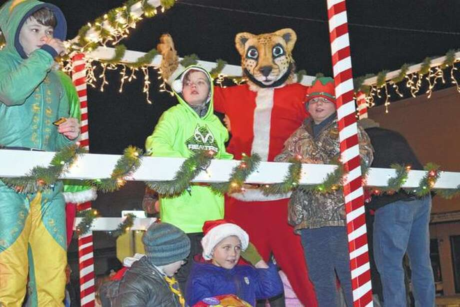 Cass Communication sponsored a float for the Christmas in Virginia parade Friday. Photo: Samantha McDaniel-Ogletree | Journal-Courier
