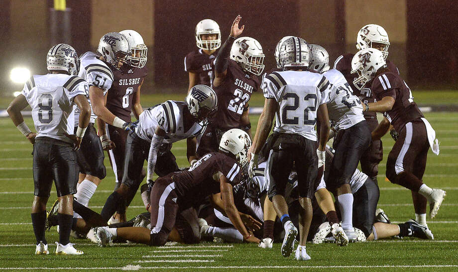 Silsbee's Aaron Sells reacts after they get the call for the ball on a fumble by West Orange-Stark during their Class 4A regional final at Texan Drive Stadium.  Photo taken Friday, December 7, 2018 Kim Brent/The Enterprise Photo: Kim Brent/The Enterprise
