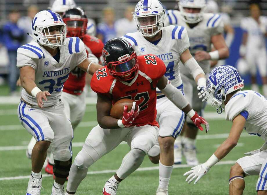 Wagner likely will need a big performance Friday night from running back L.J. Butler, a 2,000-yard rusher last season, to snap a seven-game skid against Judson. Photo: Kin Man Hui /Staff Photographer / ©2018 San Antonio Express-News