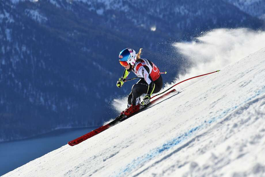 Mikaela Shiffrin zips through the Swiss Alps on her way to a World Cup super-G win Saturday. Photo: Fabrice Coffrini / AFP / Getty Images