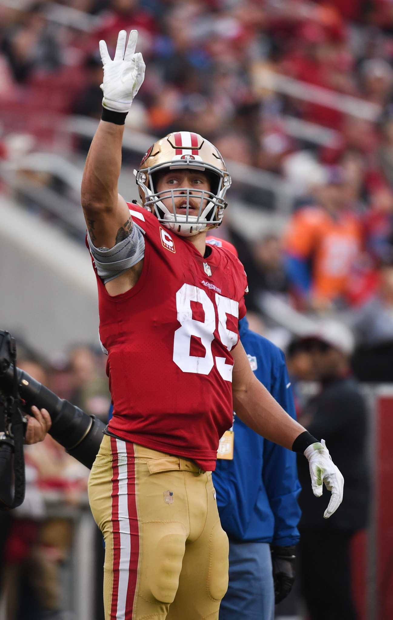 2d46f66c8 49ers ride George Kittle's 210 receiving yards to upset win over Broncos