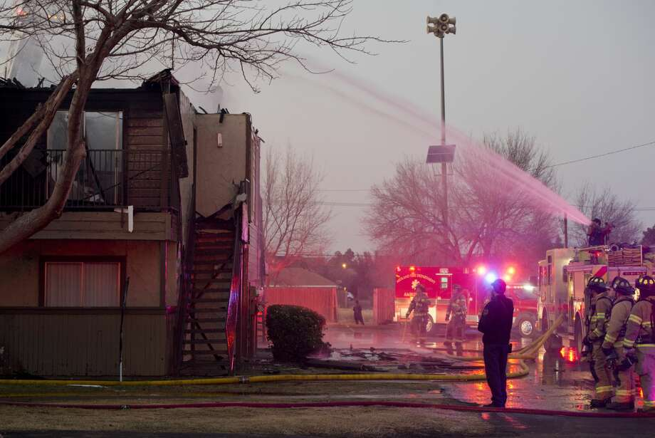 Midland fire department battles an apartment fire that destroyed a unit at Andrews Square East, formerly Hunters Glen, Apartments off Midland Drive and Shell 12/09/18. Tim Fischer/Reporter-Telegram Photo: Tim Fischer/Midland Reporter-Telegram