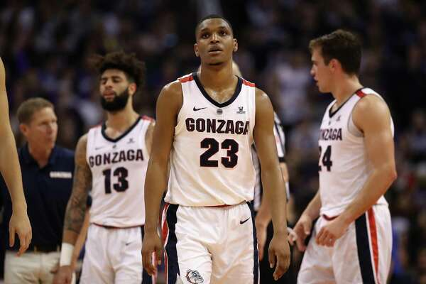 Gonzaga players react during the second half of their loss to Tennessee on Sunday.