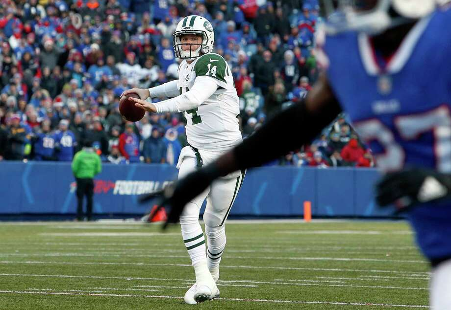 New York Jets quarterback Sam Darnold (14) winds up to throw a touchdown pass to Robby Anderson during the second half of an NFL football game against the Buffalo Bills, Sunday, Dec. 9, 2018, in Orchard Park, N.Y. (AP Photo/Jeffrey T. Barnes) Photo: Jeffrey T. Barnes / Copyright 2018 The Associated Press. All rights reserved
