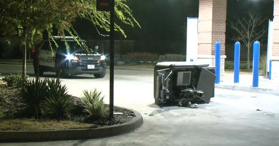 Thieves smashed an ATM at 43rd and Ella Boulevard on Monday, Dec. 10, 2018. Photo: Metro Video