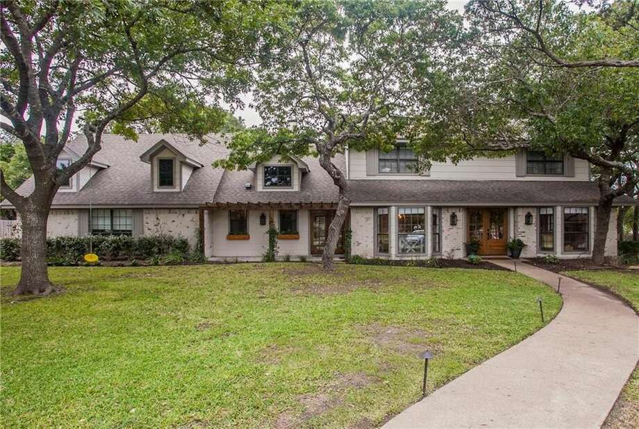 Operation Fixer Upper: Waco's 'Prickly Pear House' From 'Fixer Upper' On Market