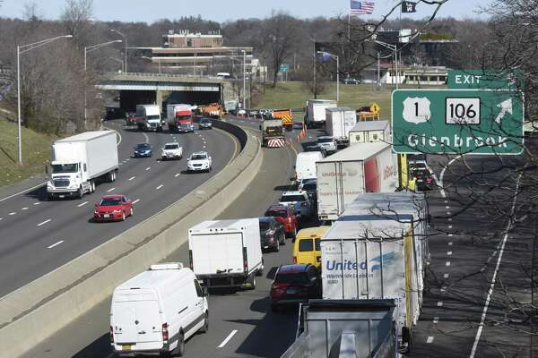 A United Van Lines truck heads eastbound in the winter of 2017 on Interstate 95 in Stamford, Conn.