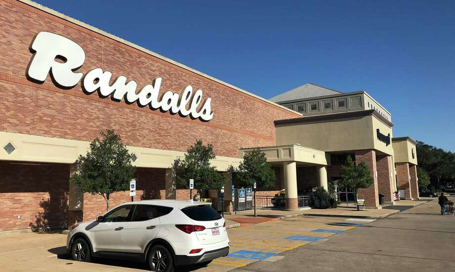 This Randalls location is at 2323 Clear Lake City Blvd. in southeast Houston. Randalls has a 4 percent grocery market share in the Houston area. December 2018. Photo: Bill Montgomery / Houston Chronicle