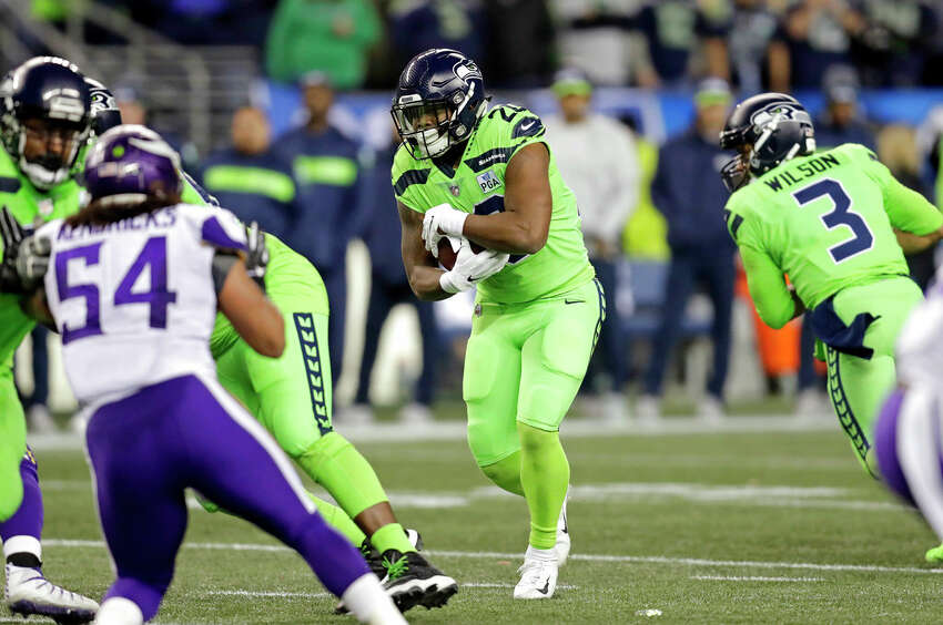2. Rashaad Penny After being picked in the first round, Penny's rookie season was largely forgettable. He struggled with injuries and didn't start to see consistent snaps until late in the year. Once that happened though, he flashed the talent and potential that Pete Carroll and John Schneider clearly saw during draft season. This offseason, Penny cut weight and worked on his mental game - will that be enough to boost his profile? Quite possibly. He'll likely get the lion's share of snaps tonight, so we'll have a good chance to see Penny 2.0 in action.