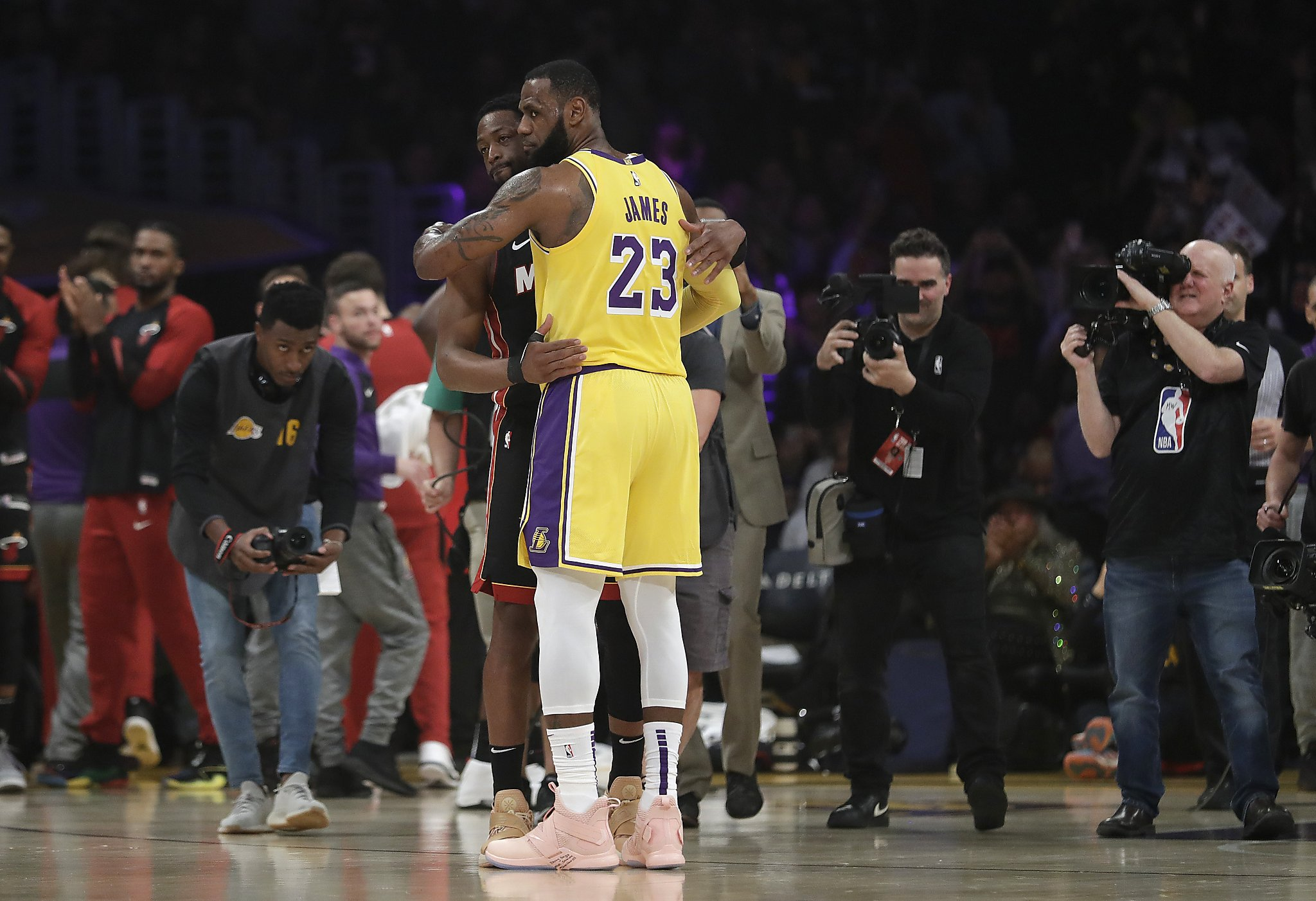 a77fcdae5 LeBron James tops ex-teammate Dwyane Wade in likely last on-court meeting -  SFGate