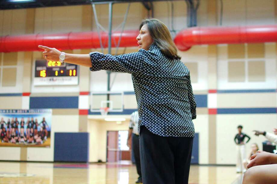 Dawson basketball coach Isabel Gomez hopes her team benefitted from Monday's 56-44 loss to Clear Falls to prepare for an upcoming District 23-6A game against Pearland. Photo: Kirk Sides / Houston Chronicle / © 2017 Kirk Sides / Houston Chronicle