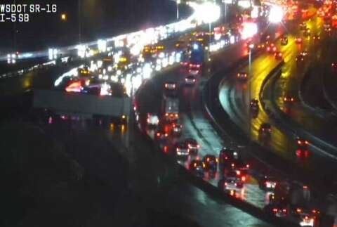 Southbound I-5 in Tacoma blocked after crash involving 2 tractor