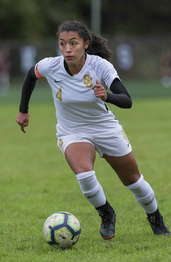 St. Joseph's Jessica Mazo earned the National Player of Year award courtesy of the United Soccer Coaches Association. Photo: Mark Conrad / For Hearst Connecticut Media / Connecticut Post Freelance
