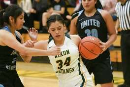 Ashley Pena scored a game-high 16 points as Nixon won its first 6A game by knocking off defending district champion United South 48-31 on Tuesday.