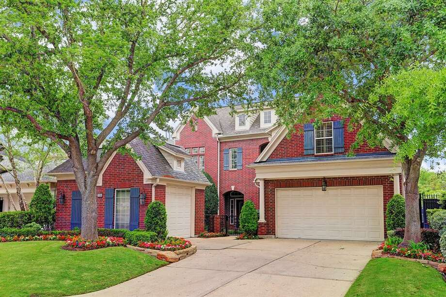 A Westchase home for sale for $750,000. Mortgage rates have risen for three weeks in a row, but still remain low compared to a year ago.NEXT: President Lyndon Johnson house in Houston on Real Estate Market Photo: Houston Association Of Realtors