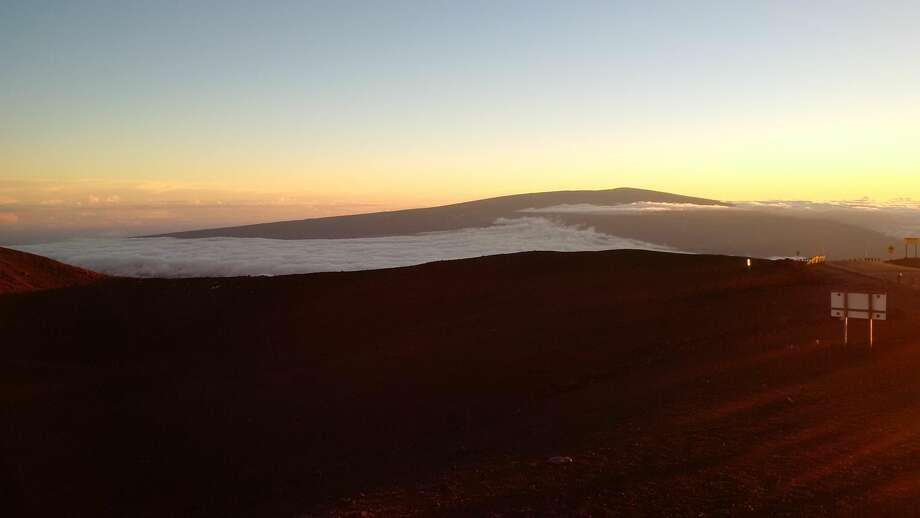 Views from atop Hawaii's Mauna Kea, high above the heat of the island state's beaches and even above much of the lower atmosphere. Photo: Joel Connelly / SeattlePI
