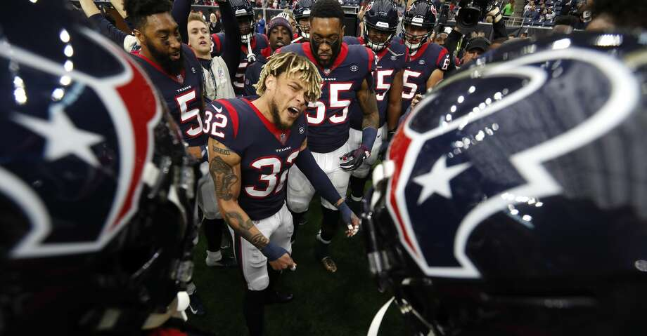 Houston Texans free safety Tyrann Mathieu (32) gathers his teammates together before an NFL football game against the Indianapolis Colts at NRG Stadium on Sunday, Dec. 9, 2018, in Houston. Photo: Brett Coomer/Staff Photographer