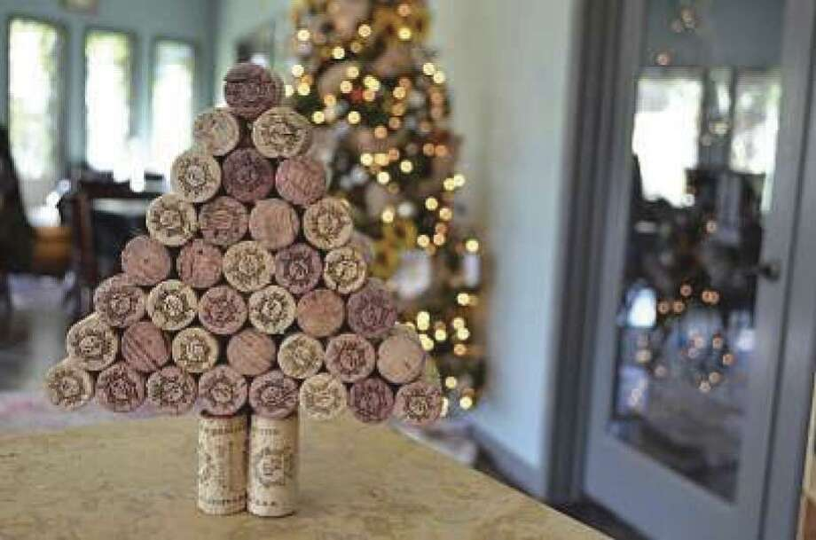 This Christmas tree made of of wine corks makes a festive holiday decoration for wine lovers.