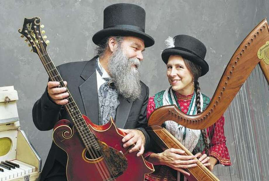 Husband-and-wife folk duo Curtis and Loretta will be in concert at 7 p.m. today at the Illinois State Museum in Springfield. Photo: Handout Photo