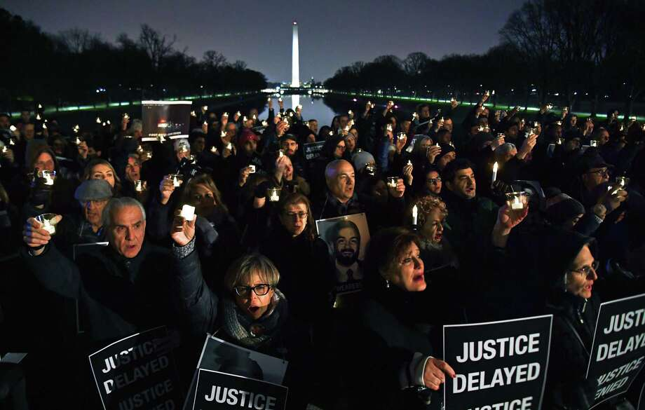 A large crowd gathered at the Lincoln Memorial on Nov. 17,2018, the one-year anniversary of the fatal shooting of Bijan Ghaisar. Photo: Washington Post Photo By Michael S. Williamson. / The Washington Post