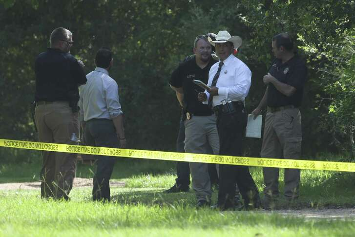 Mossouri City Police Department and multi-agency authorities investigate the scene where a body was found in Buffalo Run Park on Wednesday, Sept. 26, 2018, in Missouri City. MCPD Captain Paul Poulton said the deaceased was possibly a 20-year-old Hispanic male with injuries.