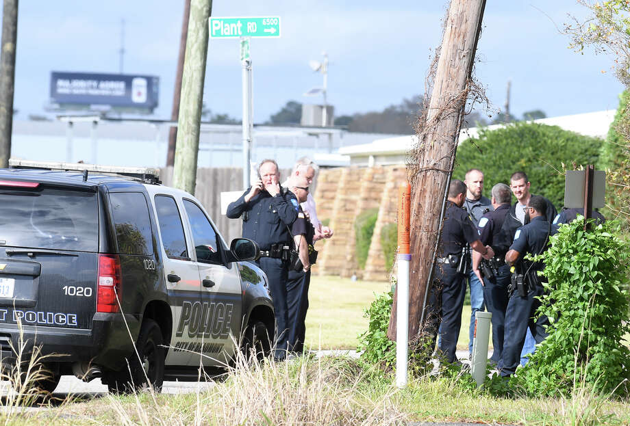 The Lower Neches Valley Authority offices were evacuated Thursday afternoon after a bomb threat was emailed to an employee.  Photo taken Thursday, 12/13/18 Photo: Guiseppe Barranco/The Enterprise / Guiseppe Barranco ?