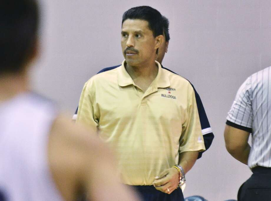 Alexander head coach Luis Valdez was ejected for the first time in 31 years Tuesday, but he confirmed after the game that the ejection was not merited based on UIL rules. Photo: Cuate Santos /LMT File / LAREDO MORNING TIMES