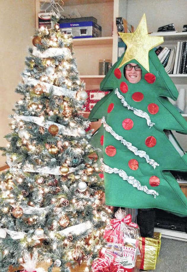 Dd Christmas.Dd Homes Hosts Christmas Tree Scavenger Hunt Jacksonville