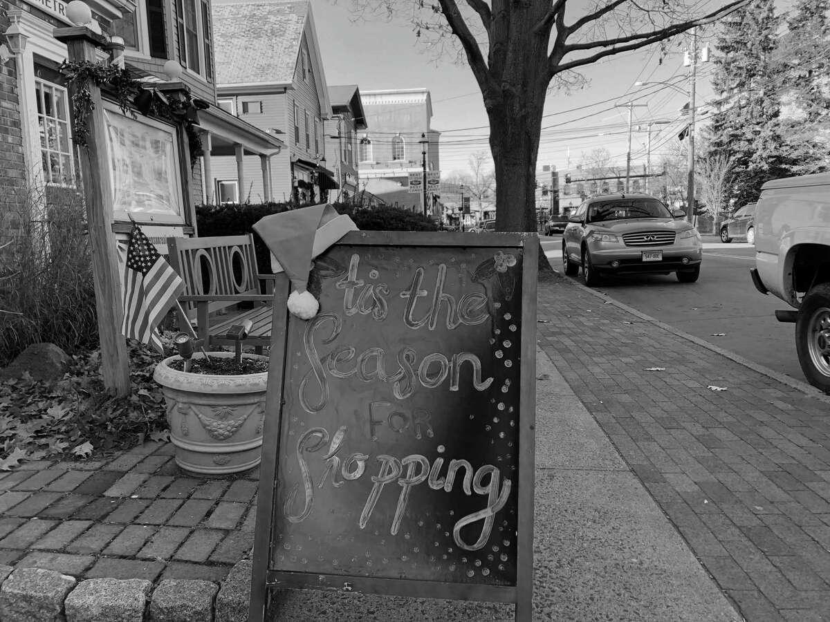 It's shopping season in downtown Fairfield.