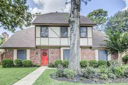 5003 Oak shadows Drive Houston $295,000
