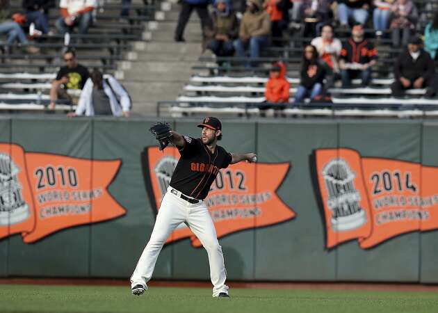 Giants' Madison Bumgarner lobbies for Bryce Harper — with a caveat