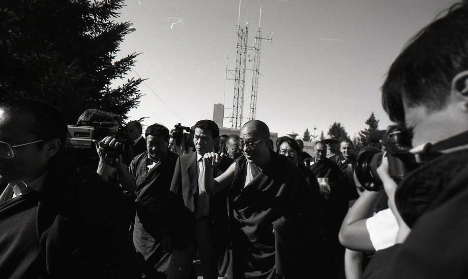 The Dalai Lama turns the abandoned Air Force Station into a temple of peace on Oct. 10, 1989. Photo: Vincent Maggiora / The Chronicle 1989