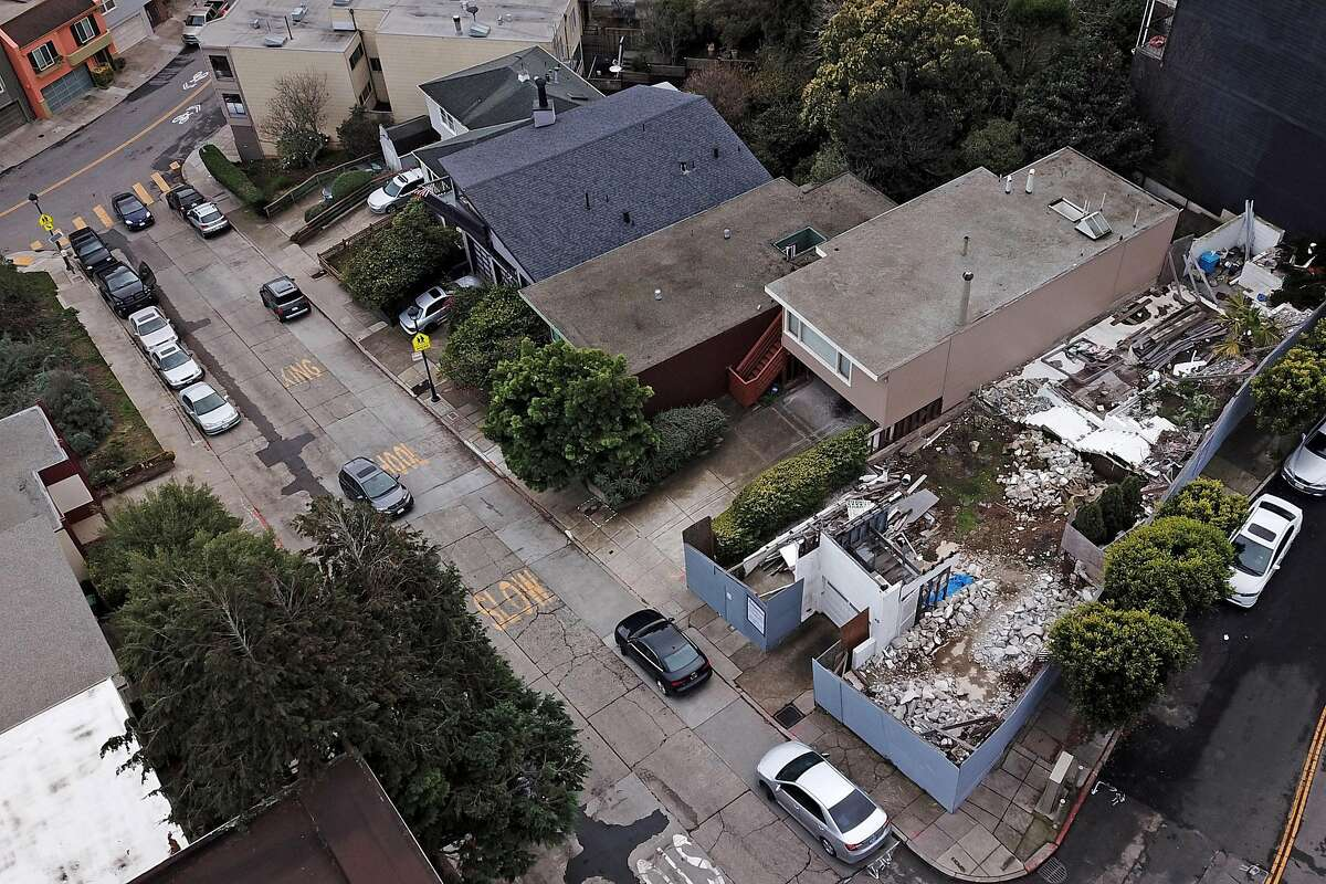 49 Hopkins St. on Friday, Dec. 14, 2018, in San Francisco, Calif. A developer who illegally demolished a 1935 house designed by modernist icon Richard Neutra near Twin Peaks has been ordered by the Planning Commission to build an exact replica of the original house rather than the much larger home he had proposed replacing it with.