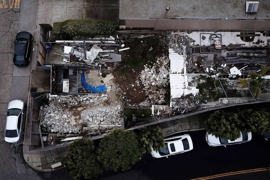 The demolished home at 49 Hopkins St. on Friday, Dec. 14, 2018, in San Francisco, Calif. A developer who illegally demolished a 1935 house designed by modernist icon Richard Neutra near Twin Peaks has been ordered by the Planning Commission to build an exact replica of the original house rather than the much larger home he had proposed replacing it with. Photo: Santiago Mejia, The Chronicle