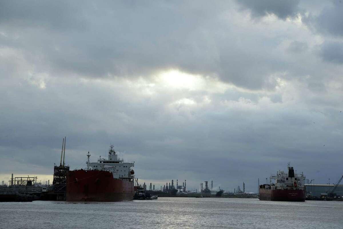 A ship navigates through Buffalo Bayou heading to a dock along the Houston Ship Channel Thursday, Jan. 19, 2017, in La Porte. ( James Nielsen / Houston Chronicle )