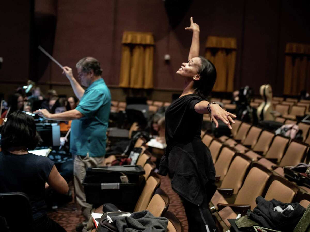Director Danielle Campbell Steans instructs her dancers during a dress rehearsal of the San Antonio Youth Ballet performing The Nutcracker ballet with the South Texas Symphonic Orchestra at the Carver Cultural Community Center on Thursday, December 13, 2018.