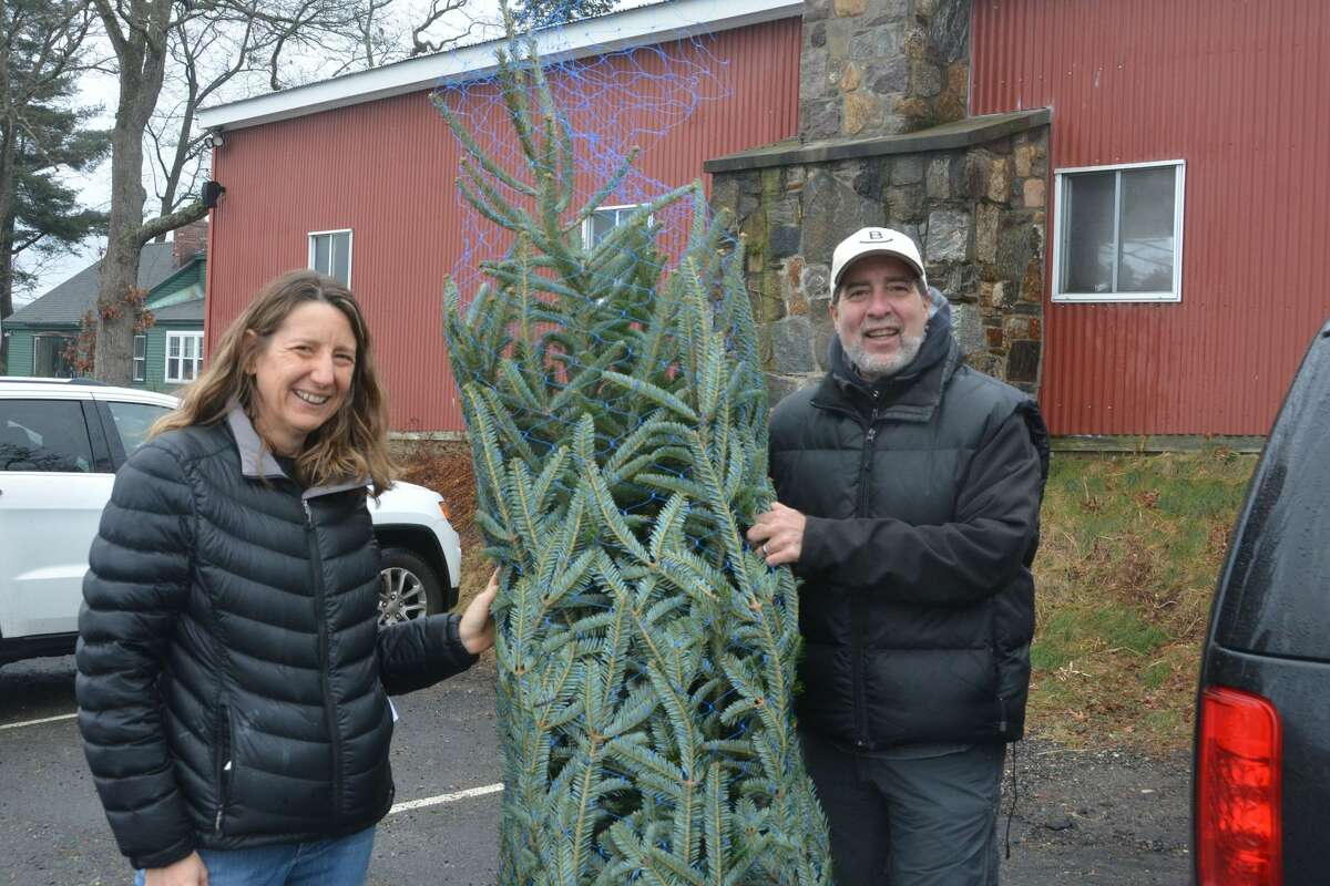Families shopped around and cut down their own Christmas Trees at Jones Family Farms in Shelton on December 15, 2018. Were you SEEN?