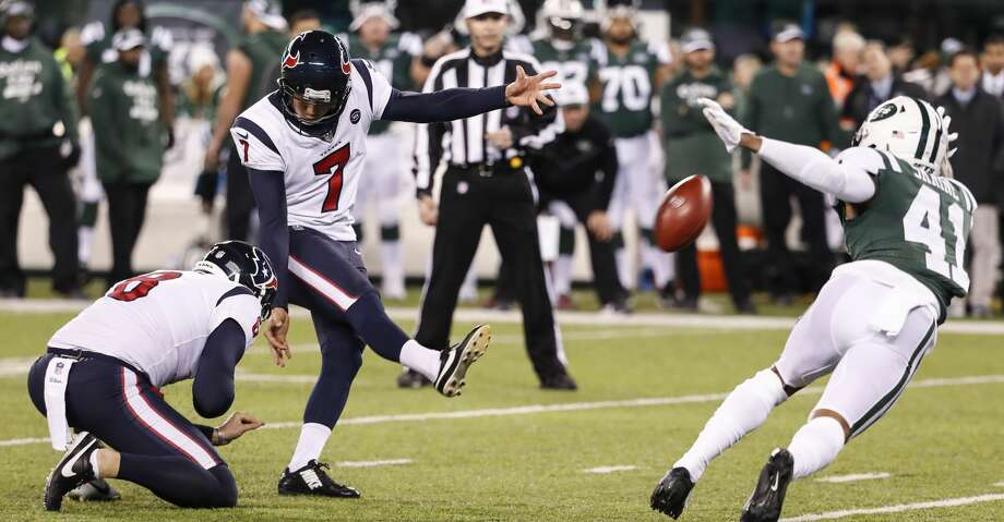 Houston Texans kicker Ka'imi Fairbairn (7) kicks a 53-yard field goal against the New York Jets during the second quarter of an NFL football game at MetLife Stadium on Saturday, Dec. 15, 2018, in East Rutherford, N.J. Photo: Brett Coomer/Staff Photographer