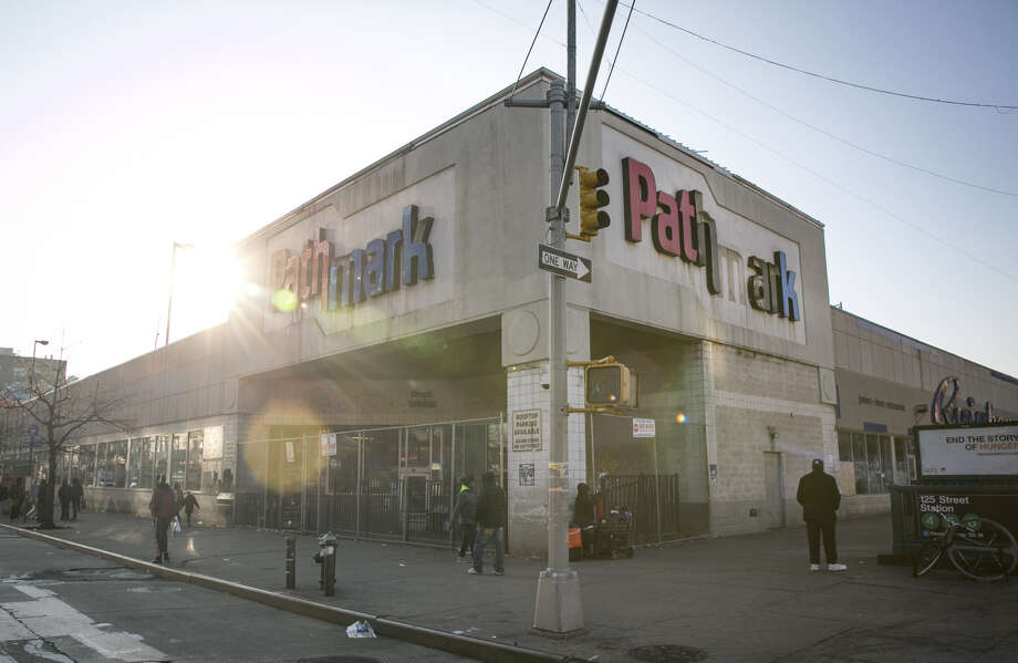 A closed Pathmark supermarket in the East Harlem neighborhood of New York on Dec. 12, 2018. Photo: Bloomberg Photo By Allison Joyce. / The Washington Post