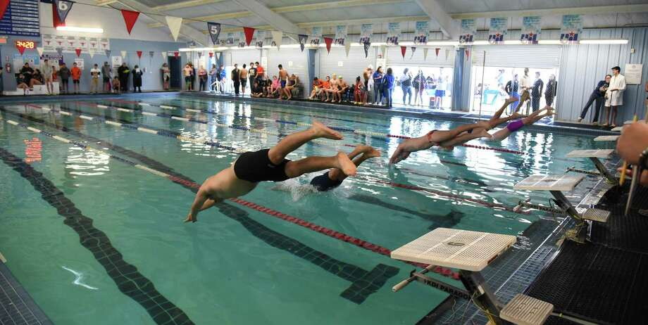 United edged Alexander for first in boys' swimming while the Lady Bulldogs bested the Lady Longhorns on the girls' side on Saturday at the UISD Natatorium. Photo: Christian Alejandro Ocampo /Laredo Morning Times / Laredo Morning Times
