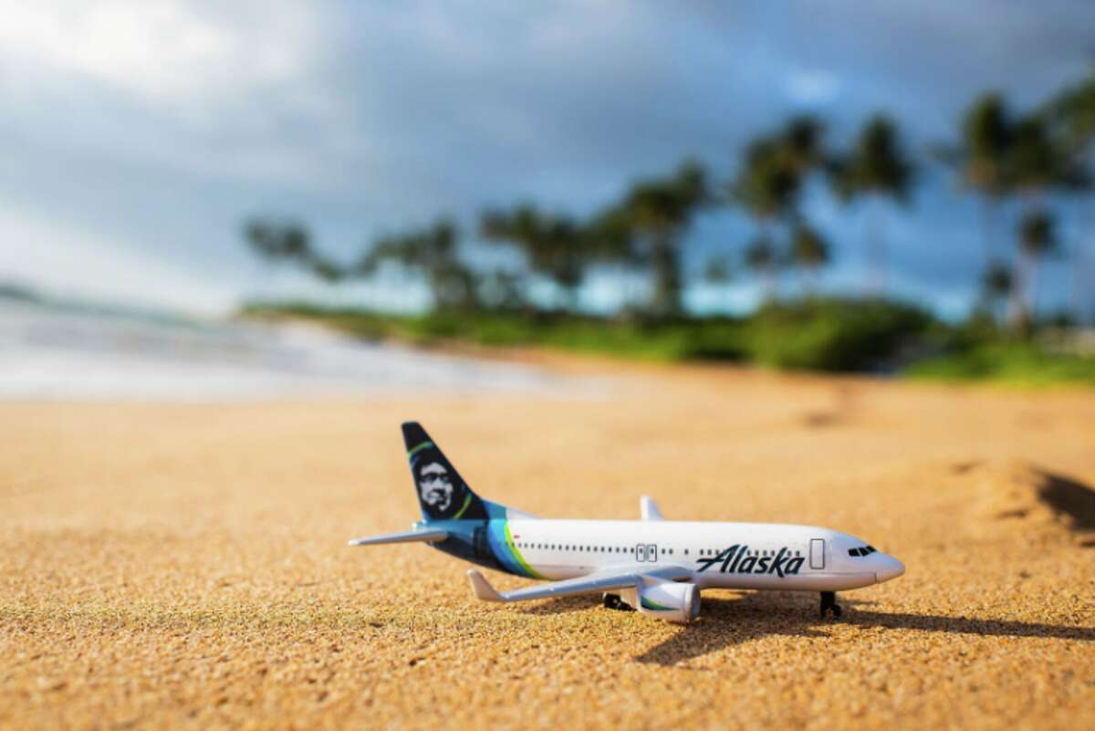 Get away to the Hawaiian Islands this winter on Alaska Airlines