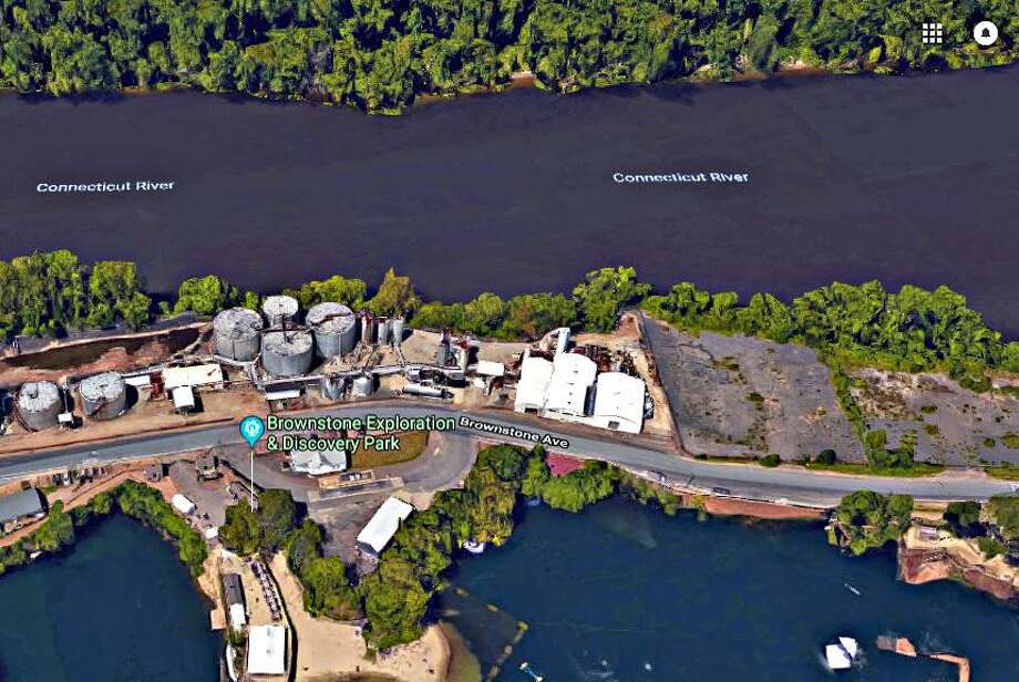 Portland has proposed buying a 5.27 acres as part of an effort to redevelop the towns waterfront on the site of the former Connecticut Tar & Asphalt Co. at 222, 230 and 248 Brownstone Ave. Photo: Google Earth /