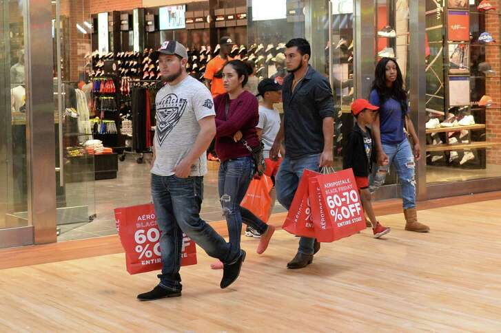 Shoppers look for bargains at the Katy Mills Mall on Black Friday, November 23, 2018.