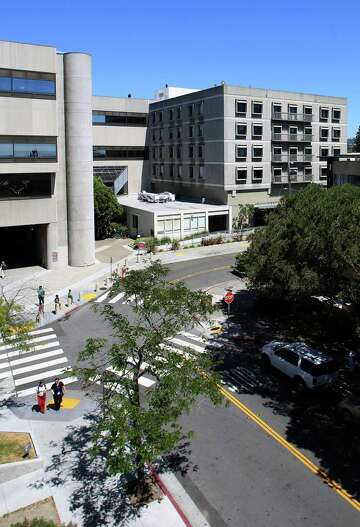 Report: Berkeley hospital closure would mean longer ER waits