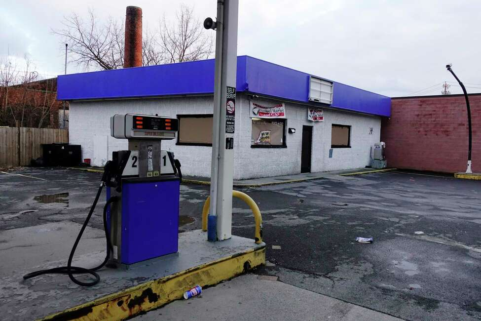 A view of a closed gas station on South Pearl Street on Monday, Dec. 17, 2018, in Albany, N.Y. (Paul Buckowski/Times Union)