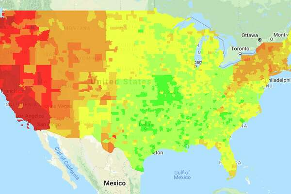 Gasoline prices plummet, especially in the midwest, but remain high in California
