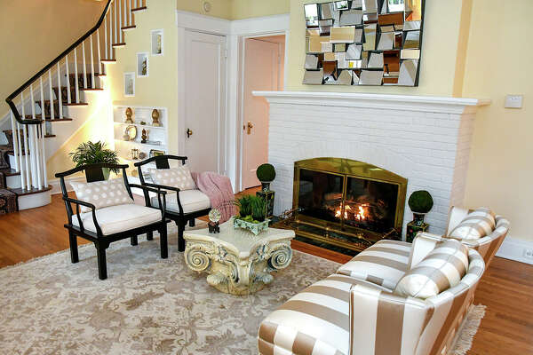 House of the Week: 383 Loudon Rd., Colonie | Realtor: Steven Girvin of Better Homes and Gardens Real Estate Tech Valley | Discuss: Talk about this house
