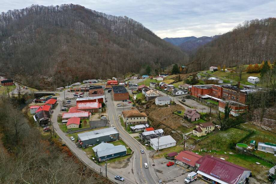 Delbarton, W.Va, has a high percentage of people affected with diabetes, heart disease and obesity. Photo: Tyler Evert / Associated Press